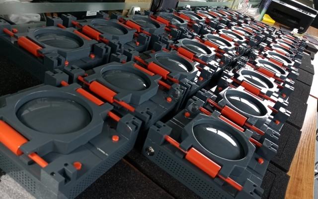 某公司工程模型转化为磁悬浮礼品摆件